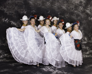 Giselle Folklorico Professional Pictures 2014 (4)